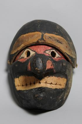 Mask with articulated forehead