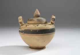 Small Daunian pyxis with lid