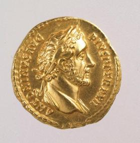 Aureus coin with laureate bust of Antoninus Pius