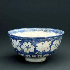Bowl with Chinoiserie design