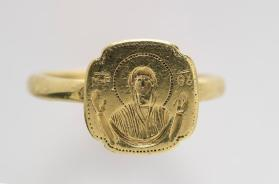 Ring with Virgin Orans