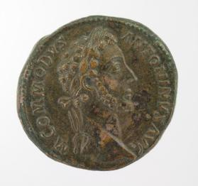 Sestertius with laureate head of Commodus